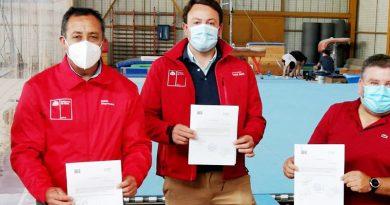 Ministerio del Deporte e IND entregan oficialmente nuevo tapete para la gimnasia artística en Santa Cruz